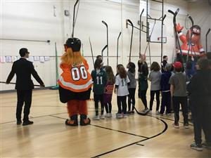 Flyers teaching 5th graders